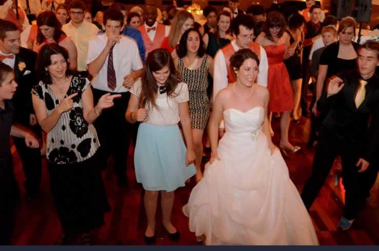 Detroit Big Band Delights Guests At Michigan Wedding Reception