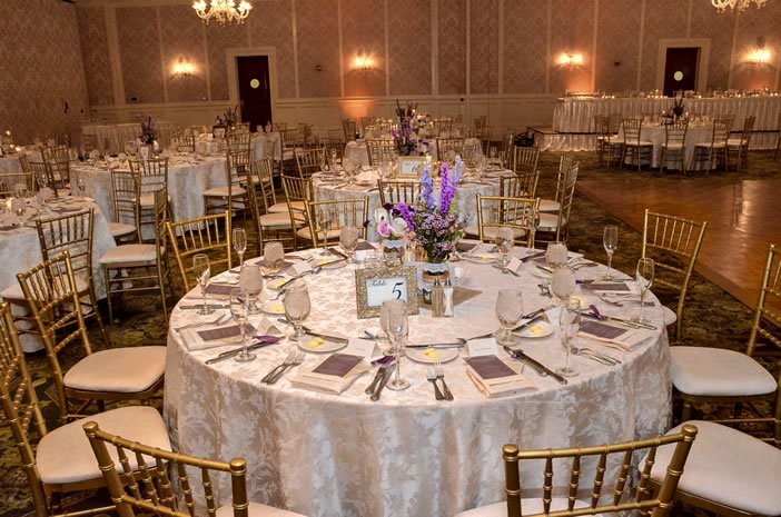 upscale detroit wedding table setting ideas
