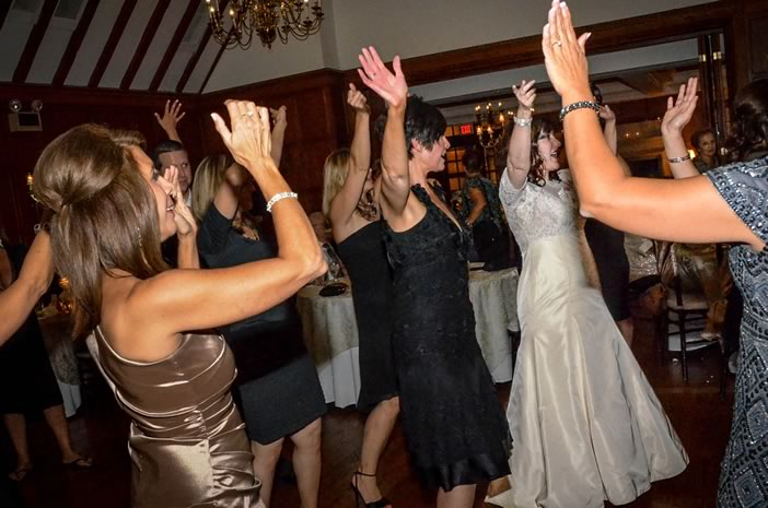 Detroit Wedding Reception Live Music Packs Dance Floor