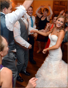 Premier Detroit Dance Band Essential for Perfect Wedding Reception